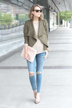 fall / winter - street style - street chic style - casual outfits - fall outfits - khaki waterfall suede jacket + beige sweater + pink faux fur clutch + skinny jeans + beige stilettos + black sunglasses
