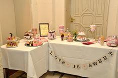 Candy Bar mit Girlande dekoration // sweet table love is sweet von renna deluxe