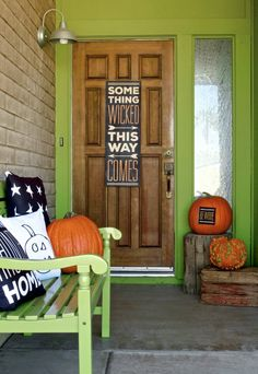 Check out how the ladies of pagingsupermom created fun Shutterfly wood wall art as a part of their Halloween decorations. Get this idea for your front door. Follow them on Pinterest at http://www.pinterest.com/pagingsupermom/.