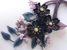 黒花と小花のシックなお花畑ネックレス #カザリ咲色 #ビーズ #ビーズフラワー #ビジュー #ハンドメイド #ネックレス #手作り #手芸 #アクセサリー #コスチュームジュエリー #bead #beads #bijou #beading #beadedflower #beadswork #beadwork #beadsph #bijoux #beaded #biser #necklace #handmade