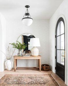 50 Modern inviting entryway ideas for home decor design - Cozy Living Boho Living Room, Home And Living, Living Room Decor, Bedroom Decor, Cozy Living, Slow Living, Dark Floor Living Room, 60s Bedroom, Barn Living