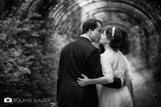 Hochzeitsfotos in Schwarz-Weiß - Sophie und Peter - Roland Sulzer Fotografie - Blog Couple Photos, Couples, Blog, Wedding, Old Couples, Photo Shoot, Monochrome, Face, Couple Shots