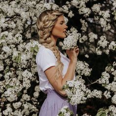 Photo by BFB HAIR on March 31, 2020. Image may contain: 1 person, flower, plant and outdoor Blonde Hair Inspiration, Hair Inspo, Travel Hairstyles, Braided Hairstyles, Amber Fillerup Clark, Barefoot Blonde, Braids, Flower Girl Dresses, Hair Beauty