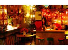 If you can find it, this very swish and fashionable little bar will surely sit in your memory as one of the most distinctive drinking spaces in Sao Paulo. So hip it hurts, Drosphyla has a wonderfully idiosyncratic interior with every spare space cluttered with whatnots and doo-dahs