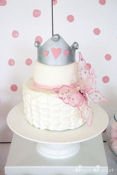 This cake would be perfect without the crown