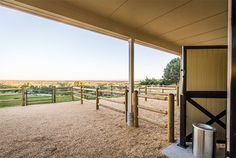Individual gravel runs in front of stalls Love the all weather footing Dream Stables, Dream Barn, Horse Stables, Horse Farms, Horse Shelter, Barn Layout, Barn Stalls, Small Barns, Future Farms