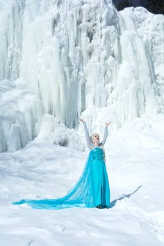 Elsa from Frozen Cosplay http://geekxgirls.com/article.php?ID=4707