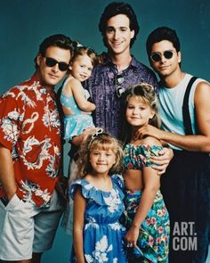 Full House Cast Posed in Blue Background Photo - 20 x 25 cm Full House Serie, Full House Funny, Full House Cast, Full House Tv Show, Full House Memes, Tio Jesse, Fuller House, Cute Couple Pictures, Couple Pics