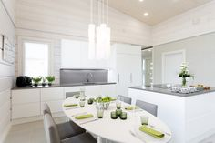 Cabinets and colors White Decor, Log Homes, Scandinavian Style, Interior Inspiration, Dining Room, Modern, Table, Furniture, Finland