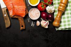 poissons spaghetti saumon sain noir Photo gratuit