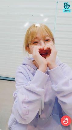 South Korean Girls, Korean Girl Groups, Lee Seo Yeon, Extended Play, Cute Korean, K Idols, Girl Crushes, Pretty Girls, Cool Girl