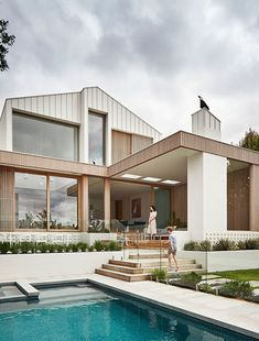 A Voluminous, Contemporary Home Behind A Modest Heritage Facade Future House, Modern Architecture House, Modern House Exteriors, Interior Architecture, Security Architecture, Australian Architecture, Sustainable Architecture, Amazing Architecture, Architecture Details