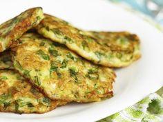 Super bonne recette de petites galettes de légumes aux céréales, pour un apport en fibres et en glucides complexes. A manger froides avec du fromage frais ou chaudes simplement agrémentée d'un filet d'huile d'olive ou de concassée de tomate