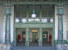 metro entrance by Otto Wagner Movement Architecture, Architecture Art Nouveau, Art And Architecture, Otto Wagner, Vienna Secession, Walter Gropius, Ludwig Mies Van Der Rohe, Art Deco Buildings, Le Corbusier