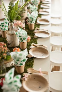 Woodland Guest Tablescape from a Woodland Adventure birthday party at Karas Par . - Woodland Guest Tablescape from a Woodland Adventure birthday party at Karas Par … - Spongebob Birthday Party, Safari Birthday Party, Fairy Birthday Party, Garden Birthday, Animal Birthday, 1st Birthday Parties, Birthday Ideas, Themed Parties, Children Birthday Party Ideas