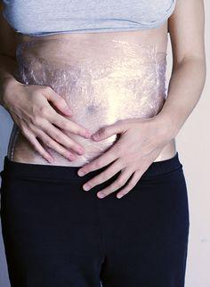 Mettre du film plastique sur le ventre pour maigrir