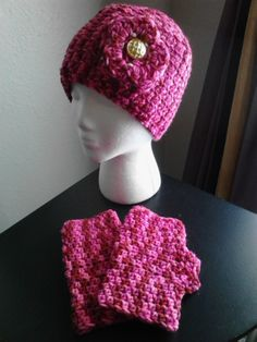 Crochet Flowered Hat/Matching Fingerless Gloves/red & pink