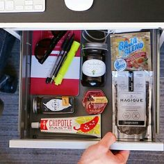 Happy hump day! Check out @birchboxman 6 ways to up your ante on #saddesklunch. #linkinbio  #chipotlepaste #birchbox #birchboxman #olofoods #humpday #work