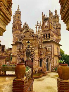 Castillo de Colomares all to myself! South Of Spain, Andalucia, Seville, Malaga, Long Weekend, Big Ben, Barcelona Cathedral, Travel, Wine Cellars