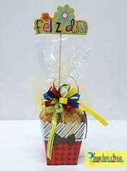 Globos, Flores y Fiestas (Chocolate Regalo Ideas) Mather Day, Best Gift Baskets, Chocolate Bouquet, Flirt, Candy Bouquet, Ideas Para Fiestas, Simple Gifts, Pink Candy, Valentine Gifts