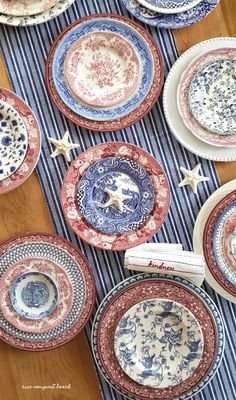 I just can't get enough of blue transferware, and red is a close second. I love combining the different colors of transferware plates together for unique looks each time. Fourth Of July Decor, 4th Of July Decorations, 4th Of July Party, July 4th, Fall Home Decor, Autumn Home, Cheap Home Decor, Welcome Home Parties, Plant Decor