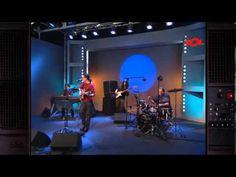 Pedro Guerra, Niña. Letra en http://www.musica.com/letras.asp?letra=1558967