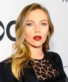 Scarlett Johansson's dark lip and subtle waves