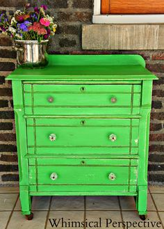 Antibes Green Chalk Paint® decorative paint by Annie Sloan on a lovely nightstand Cute Furniture, Chalk Paint Furniture, Diy Furniture Projects, Redoing Furniture, Repurposed Furniture, Painted End Tables, Painted Chairs, Annie Sloan Chalk Paint Inspiration, Antibes Green