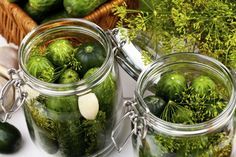 Homemade pickles in brine with garlic, dill and horseradish (gkrphoto/iStock)