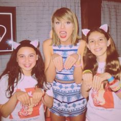 Taylor and fans in Loft '89