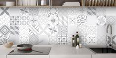 Crédence Carreaux ciment gris sur mesure pour votre cuisine. Alu inox et verre trempé. Fabrication 100% française. Garantie 10 ans. Devis en ligne.