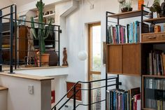Built in the late 1980s by the architect David Roberts, this charismatic brick-built freehold is quietly located among similarly engaging modern houses, on the ever-popular Murray Mews. Accommodation is inventively arranged over five levels, with up to three sleeping areas. The building is entered via a courtyard garden at the front, with an elegant original […]