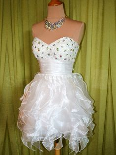 Attractive White Rhinestones Ball Gown Sweetheart Neckline Mini Homecoming Dress