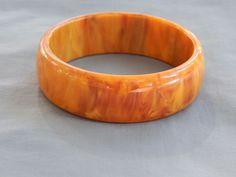 Vintage Chunky Mississippi Mud Carmel Marbled Bakelite Bangle Bracelet