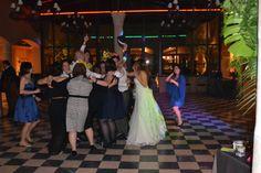 Bailando sin parar en el Palacio de la Misión Dresses, Palaces, Dancing, Elegant, Girls, Pictures, Vestidos, Dress, Gown