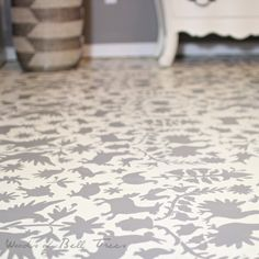 Great tutorial for Otomi stenciled painted concrete floor with Annie sloan chalk paint!