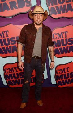 Jason Aldean attends the 2014 CMT Music awards in Nashville, Tennessee. via StyleList