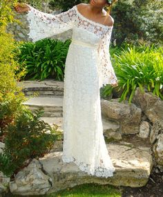 Vintage Inspired Bohemian Full-Length Lace Scoop Full Sleeves Zipper Hippie Wedding Dress Boho Maxi Lace Dress
