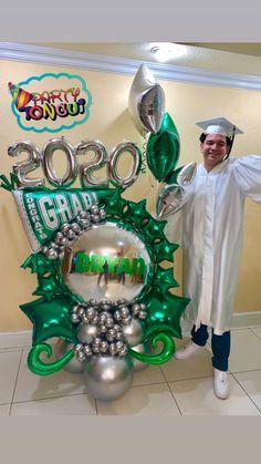 Graduation Balloons, Graduation Ideas, Balloon Arrangements, Large Balloons, Balloon Decorations Party, Balloon Columns, Balloon Bouquet, Backdrops For Parties, Grad Parties