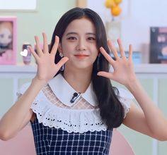 Blackpink Jisoo, South Korean Girls, Korean Girl Groups, My Girl, Cool Girl, Bobby Brown Stranger Things, Princesa Disney, Blackpink Photos, Blackpink Fashion