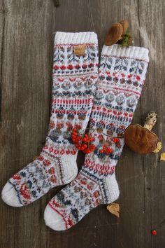 Christmas Stockings, Socks, Holiday Decor, Diagram, Home Decor, Needlepoint Christmas Stockings, Decoration Home, Room Decor, Sock