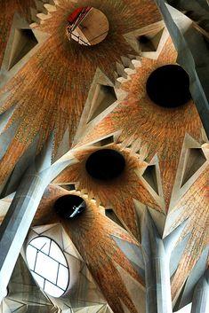 La Sagrada Familia by architect Antoni Gaudi. Gaudi started work on the project in Building still under construction. Architecture Design, Beautiful Architecture, Building Architecture, Windows Architecture, Art Nouveau, Gaudi Barcelona, Barcelona Catalonia, Barcelona Travel, Antonio Gaudi