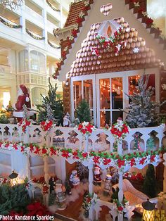 The Grand Floridian Gingerbread House- incredible detail- great views of house and recipe for gingerbread cookies