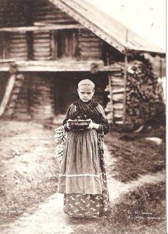 Carelian girl in Viena 1894, photo: I. K. Inha -Vienan karjalainen tyttö