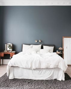 - Home Decor Dream Bedroom, Home Bedroom, Home Living Room, Modern Bedroom, Bedrooms, Apartment Makeover, Apartment Design, Guest Bedroom Decor, Bedroom Color Schemes