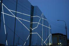 Image 24 of 27 from gallery of Vershina Trade & Entertainment Centre / Erick van Egeraat. Courtesy of Erick van Egeraat Facade Lighting, Linear Lighting, Exterior Lighting, Wall Lighting, Futuristic Architecture, Facade Architecture, Contemporary Architecture, Modern Contemporary, Building Exterior