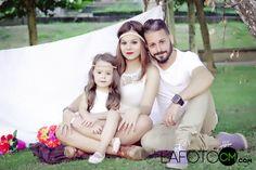Padre,Fotografía madre e hija,book familiar,portrait,familia,fotografia ourense,galicia fotos,videbook,fotografo en ourense, http://lafotocm.com/index.php/fotografia