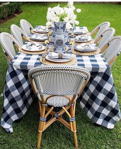 NIGHTS French bistro chairs + buffalo check tablecloth make for a beautiful blue and white setting for dining al fresco!French bistro chairs + buffalo check tablecloth make for a beautiful blue and white setting for dining al fresco! White Table Settings, Outdoor Table Settings, Outdoor Dining, Place Settings, Outdoor Tablecloth, Tablecloths, French Table Setting, Lunch Table Settings, Tablescapes