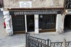 Osteria L'orto dei Mori Garage Doors, Outdoor Decor, Travelling, Home Decor, Venetian, Venice Italy, Decoration Home, Room Decor, Carriage Doors