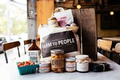 Farm to People Tasting Box monthly food subscription gift box | Cool Mom Eats holiday gift guide